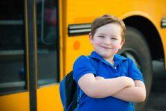 Уступить место в автобусе мог каждый, но это сделал первоклассник вместо его мамы, который посочувствовал пожилой бабушке.