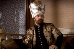 Халит Эргенч, сыграл великолепного Сулеймана, и стал знаменитым, биография